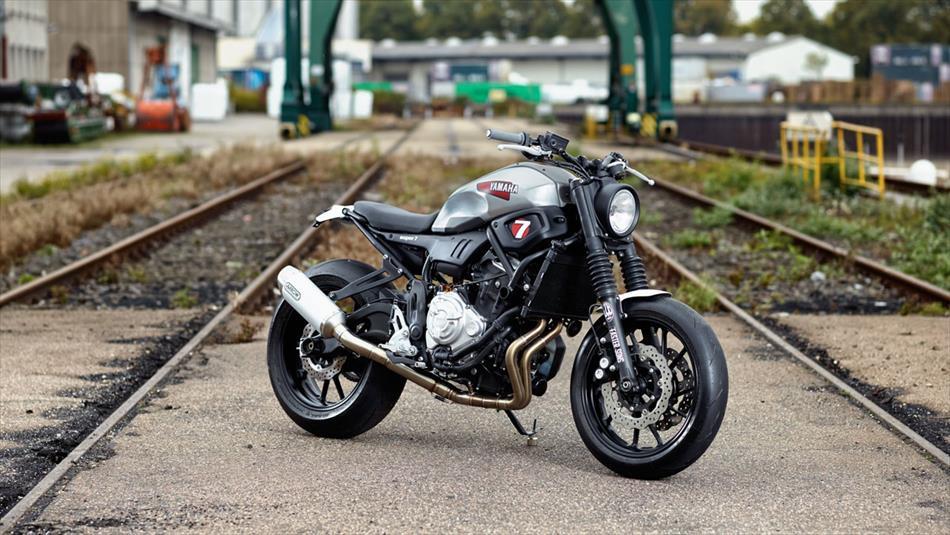 moto yamaha 7